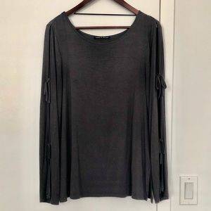 Cable & Gauge cutout sleeve top